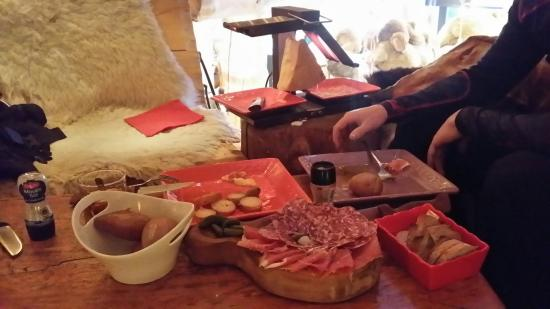 Grizzly Bar : Best raclette ever!!!