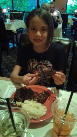 Western View Steakhouse: Yum, Ribs!