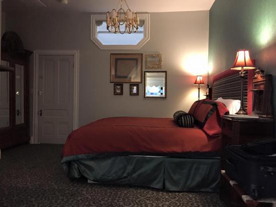 La Belle Epoque: Room view.
