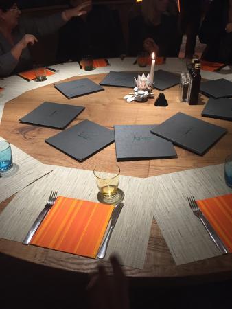 Tavolo rotondo picture of fosso bandito florence for Tavolo rotondo ristorante