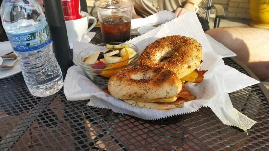 Cody's on 4th : Nice bagels!