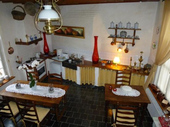 Auberge De Klasse : Breakfast Room