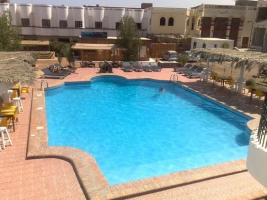 Yasmina Hotel: the pool