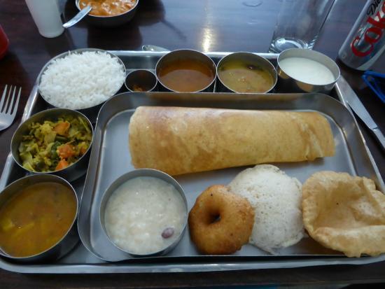 Dasaprakash Restaurant: veggie thali