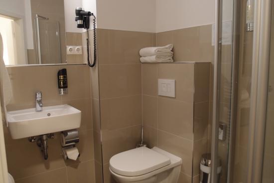 Hotel Elch: salle de bains