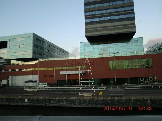 facciata dell 39 hotel picture of movenpick hotel amsterdam. Black Bedroom Furniture Sets. Home Design Ideas