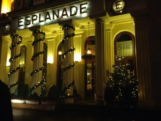 Hotel Esplanade Prague : Xmas decorations at the hotel entrance