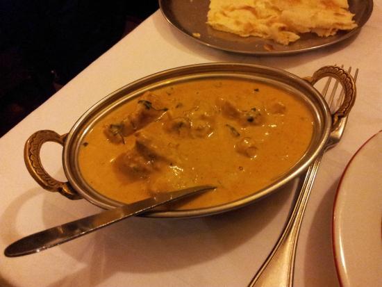 Koh-I-Noor : Poulet sauce aux noix de cajou et épices: excellent!!