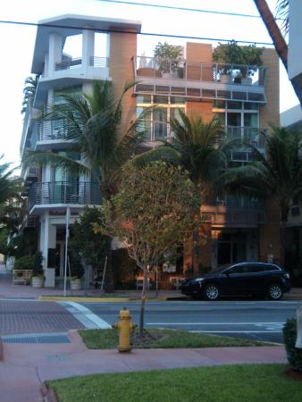 Sense Beach House : Sense Beach on Ocean Drive