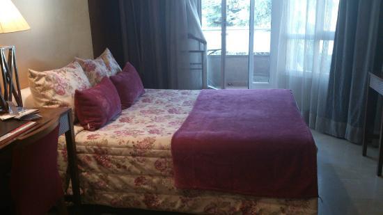 hotel suites barrio de salamanca toque romanticn en la habitacin