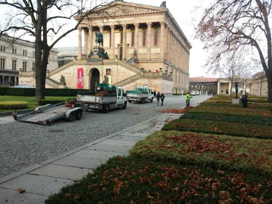 Gablinger Berlin Tours: המוזיאון הישן ( alt musiom )