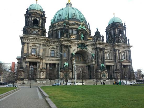 Gablinger Berlin Tours: ברלין דום