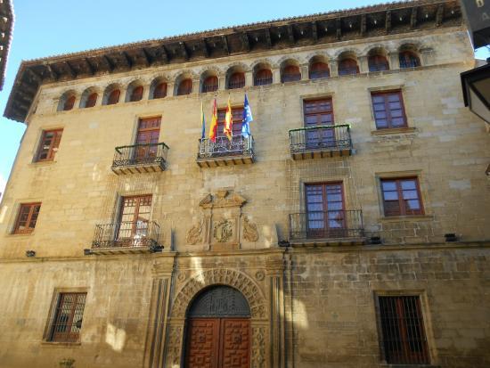 Sos del Rey Catolico, Spain: ayuntamiento