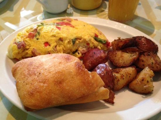 Cafe On Main: Ham & Asparagus omelette with roasted potatos