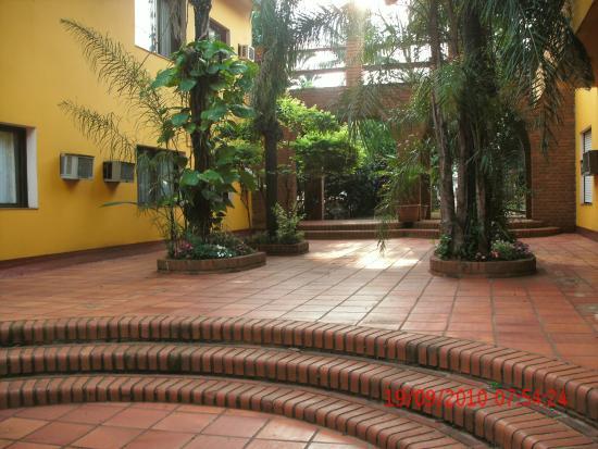 Alexander Hotel: Vinta interior