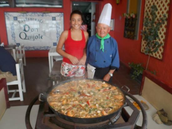 Restaurante Don Quijote: paella show
