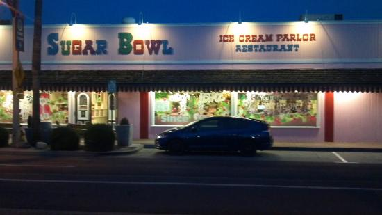 Sugar Bowl Ice Cream Parlor : 1st time & Last time