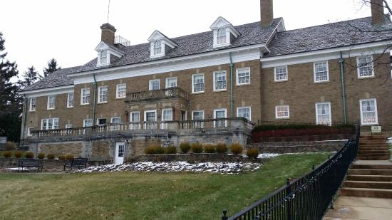 The Felt Estate: rear of mansion