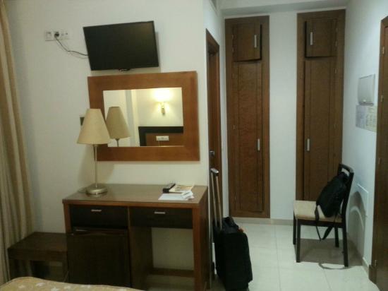 Hotel Blanco y Verde: Quarto
