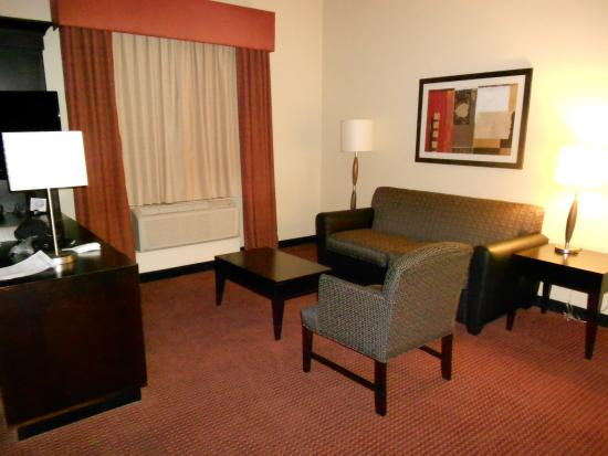 Hampton Inn & Suites Phoenix Chandler Fashion Center: King Suite