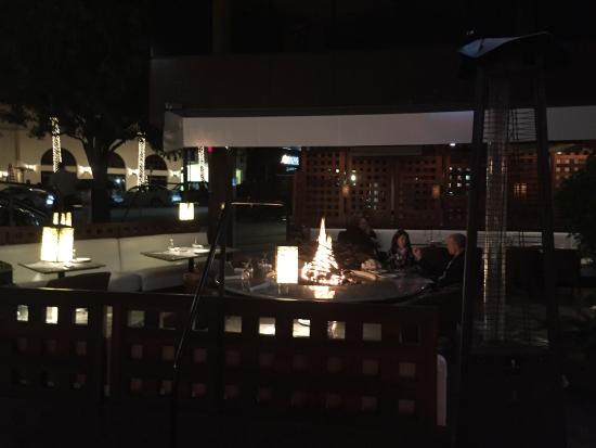 Roppongi: Fire pit tables