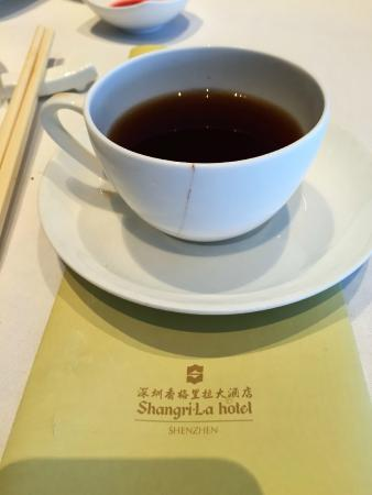 cracked tea cup picture of shang palace shangrila hotel