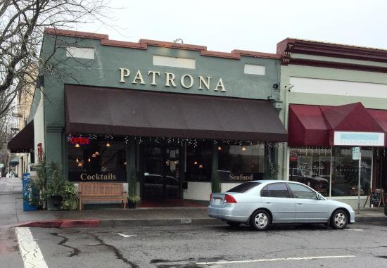 Ukiah, Καλιφόρνια: La Patrona