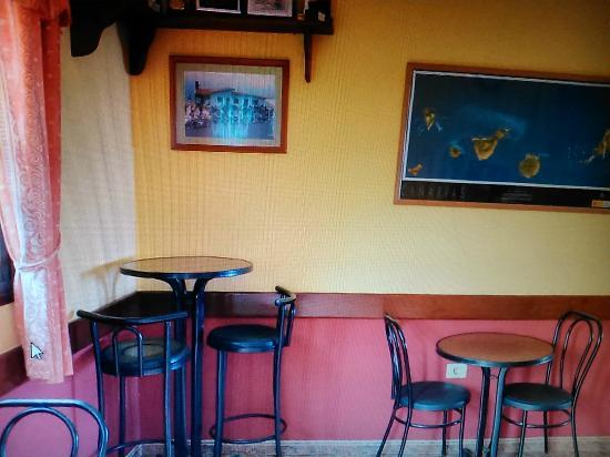 Guarazoca, Spanje: entrada, zona del bar