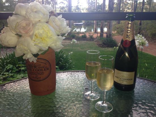 Kangaroo Creek Chalets: Romance!