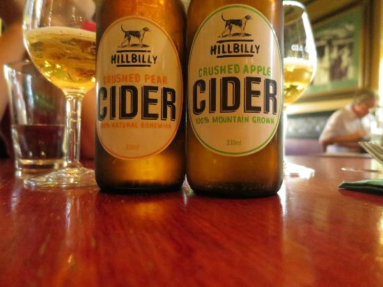 Old City Bank Brasserie: Apple cider and pear cider (pear was nicer)