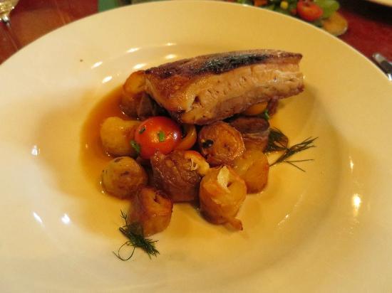 Old City Bank Brasserie : Pork belly on potatoes