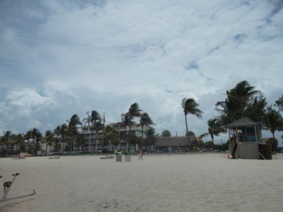 Carriage House Resort Motel: Esta é a praia de deerfield. O hotel se localiza ha 150 metros da areia