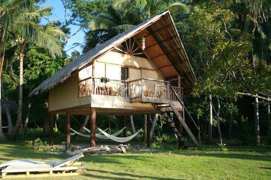 Sangat Island, Philippines: Beachside Chalet room