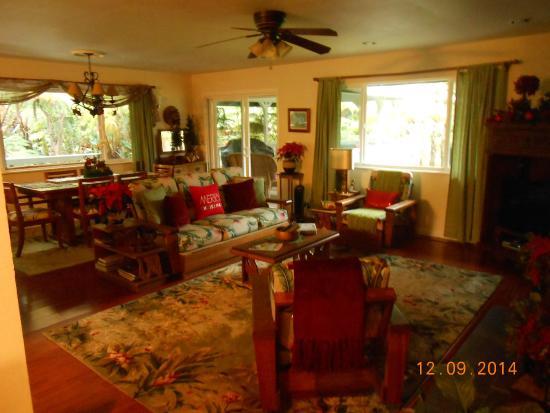 living room Ohia Plantation house