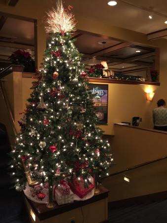 Arnie's Restaurant & Bar - Mukilteo : Christmas time.