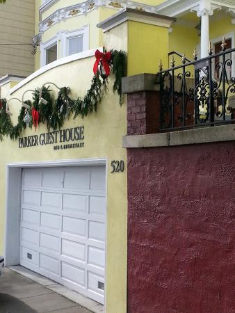 Parker Guest House: Front view