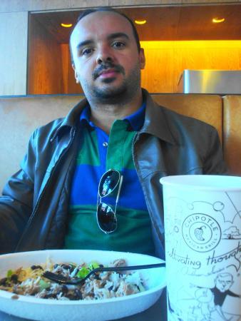 Chipotle Mexican Grill: Almoço delicioso