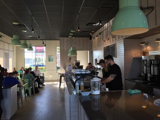 Bold Bean Coffee Roasters: Really cool place to hang out!