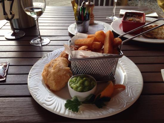 The Black Horse: Fish and Chips