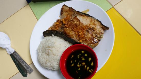 Smoke Restaurant: Grilled Fish with Rice