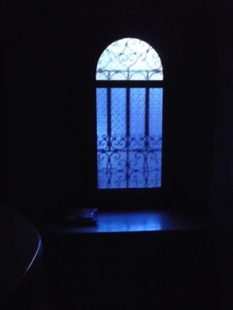 Dar Malaika : fenetre chambre