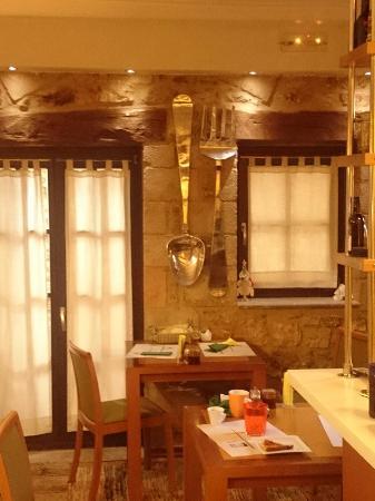 Guesthouse Theonimfi: Cozy handmade greek breakfast