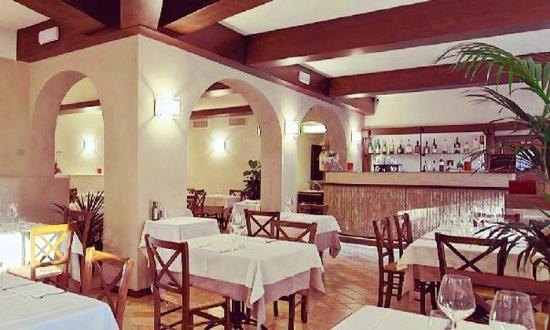 Hosteria Del Castello: Sala