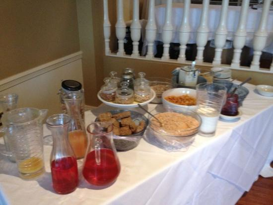 Listowel Arms Hotel : Cereal bar at breakfast. Lots of nuts and seeds, too!