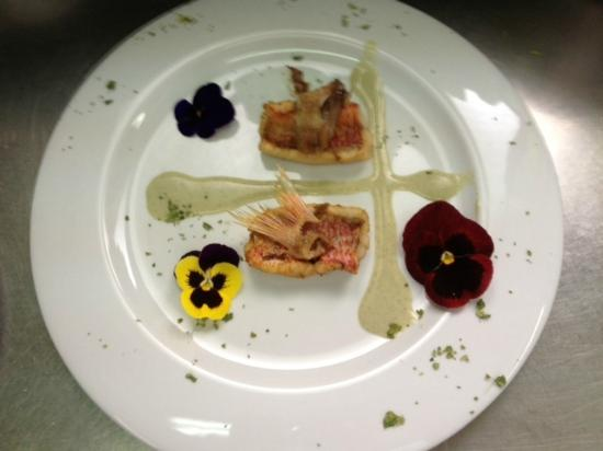 Hotel Restaurante Arimune: Salmonete