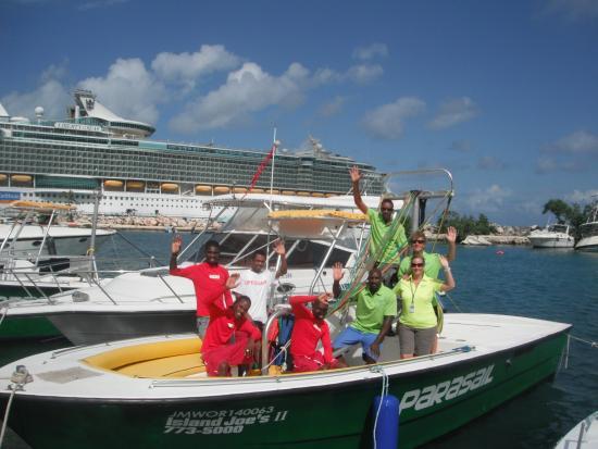 Ocho Rios Bay Beach: Crew at Island Joe's Adventures