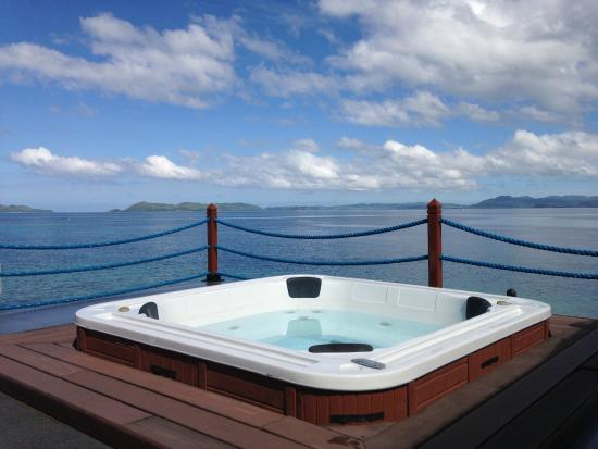 Huma Island Resort U0026 Spa: Outdoor Jacuzzi On The Water Villa