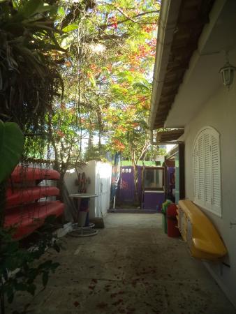 Hostel Marina dos Anjos: Entrada do Hostel