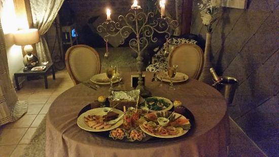 domaine de la croix du vexin le plateau repas servi en chambre - Plateau Romantique