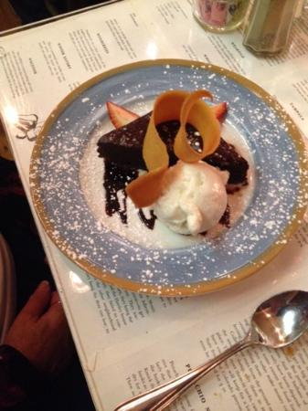 Blue Moose Restaurant & Cafe: BROWNIE W/ICE CREAM